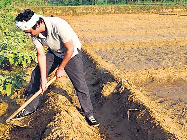 Nawazuddin Siddiqui,Village trip,Farming