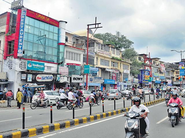 Dehradun's CP is a major commercial hub that also houses banks, a cinema hall and a post office. (HT Photo)