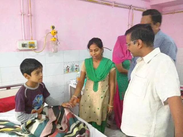 Delhi chief minister Arvind Kejriwal during a surprise check at a Delhi hospital. (Photo courtesy- @AamAadmiParty)