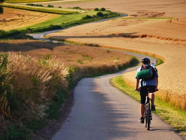 Even if you find pedalling like Chris Froome or other Tour de France winners appealing, better not try it as researchers have found that pedalling like a professional cyclist may actually reduce rather than improve your performance. (Shutterstock Photo)