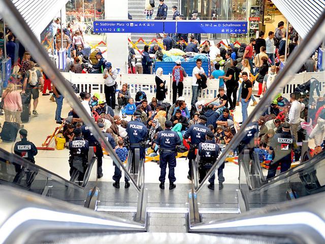 European Migrant crisis,European refugee crisis,Germany railway halted