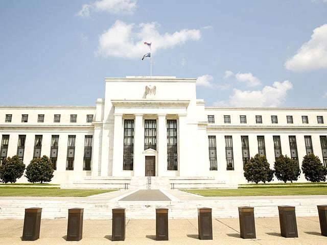 US Federal Reserve,Yuan's devaluation in 1994,Asian currency crisis in 1997
