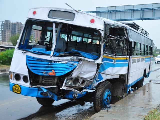 Mangled remains of the bus that met with an accident at Zirakpur.