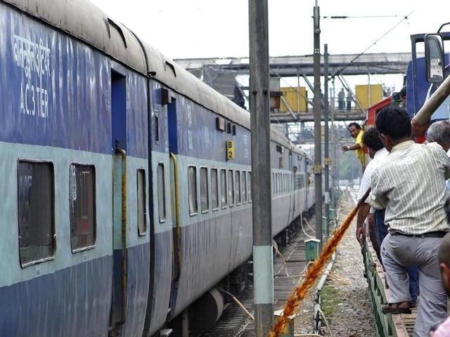 Harda twin-train accident,Commission of Railway Safety,railway board
