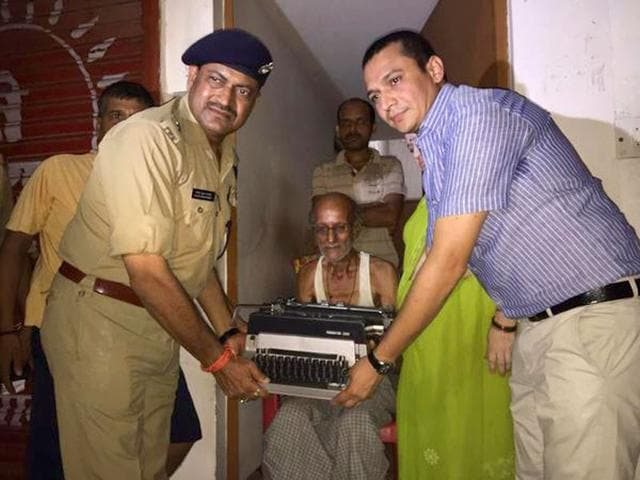 Viral photos of a police officer in Uttar Pradesh smashing a typewriter used by a senior citizen to earn a livelihood on the roadside(1,2,3) DM and senior superintendent of police giving him two new typewriters (4).