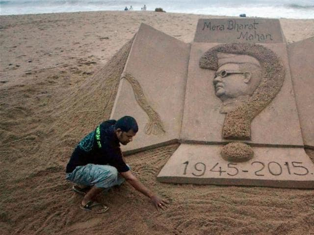 Puri's famed sand artist Sudarsan Pattnaik creates a sculpture of Netaji Subash Chandra Bose. The freedom fighter's fate has been a source of mystery.