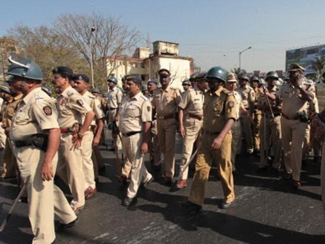 Mumbai,Dombivli,Driver kills mother and child