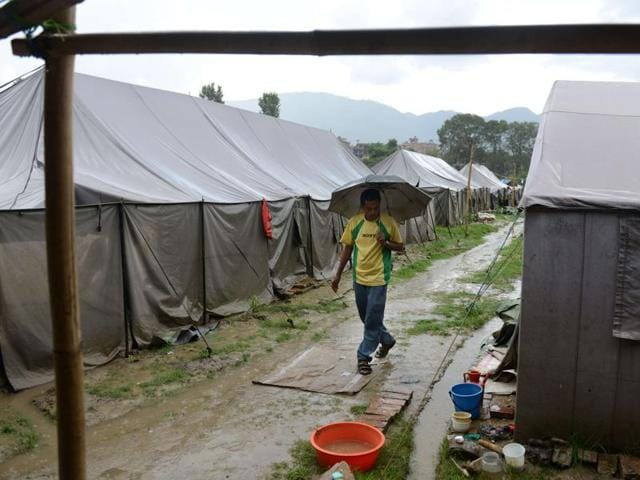 Hundreds of thousands of quake victims in Nepal are unable to start rebuilding their homes as winter approaches because a 4.1 billion USD reconstruction fund cannot be spent until lawmakers pass a long-delayed bill -- to the frustration of international donors.