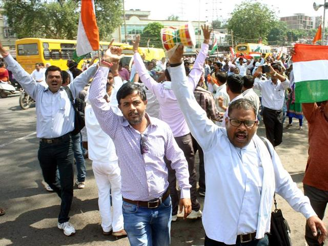 teachers' agitation,crackdown on teachers in MP,teachers' strike in MP