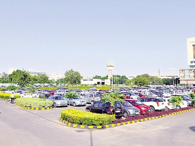 One of the six surface parking lots in Cyber City identified by the traffic police. Commuters will be charged a nominal amount for not using personal cars.