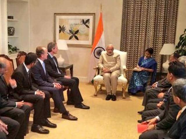 Prime Minister Narendra Modi with Silicon Valley CEOs.