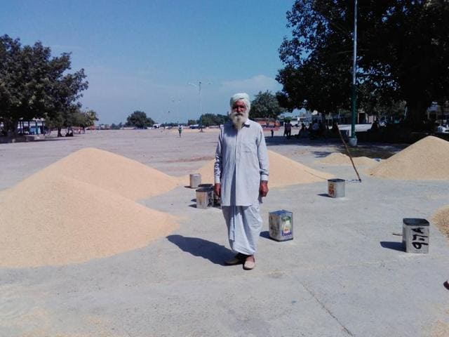 Worries and sadness are writ large on the faces of the farmers, who had brought basmati or paddy to sell in the grain market.