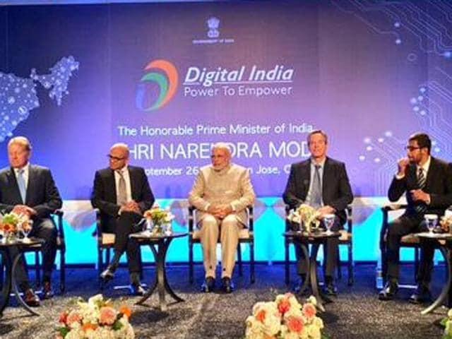 Prime Minister Narendra Modi with CEOs of top tech companies in Silicon Valley.(MEA)