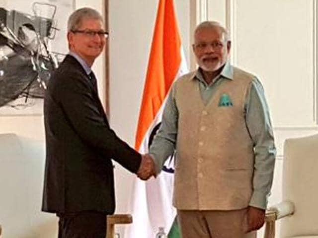 Modi in US,Modi in Silicon Valley,Modi meets Tim Cook