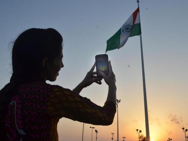 Flag hoisting,170 ft Tricolour,Hoisting at sunset