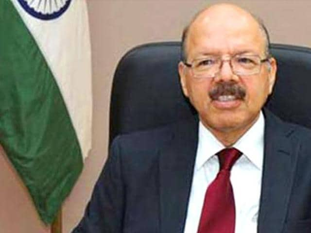 Chief Election Commissioner Nasim Zaidi with Election Commissioner OP Rawat (R) at a press conference . The Commissioner has arrived in Patna for a two-day visit to review preparations for next month's polls.