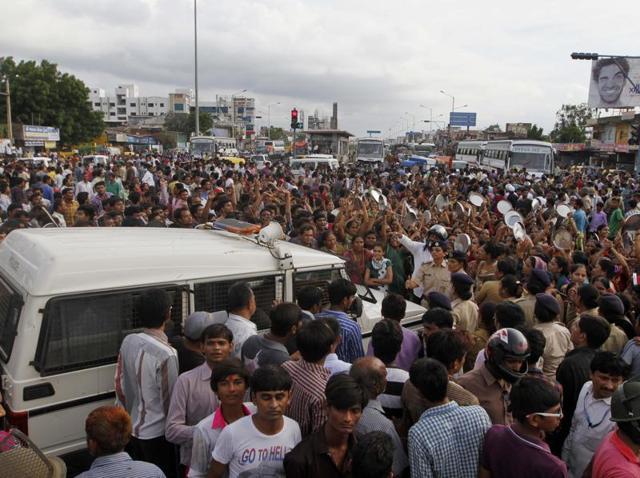 Patel quota stir,Hardik Patel,Patel community