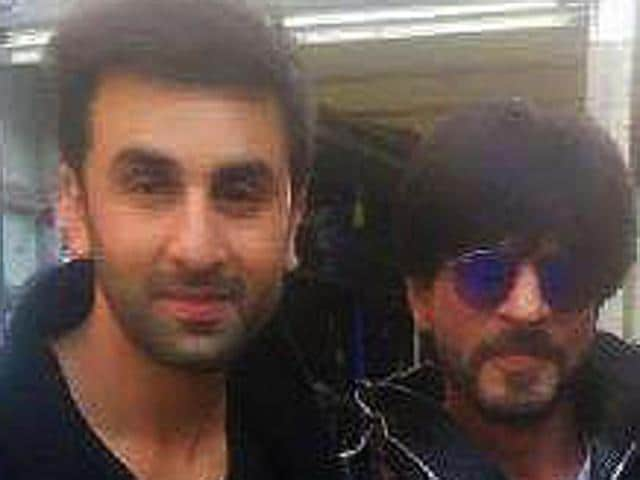 Shah Rukh Khan met Ranbir and Karan on the sets of Ae  Dil Hai Mushkil in London.