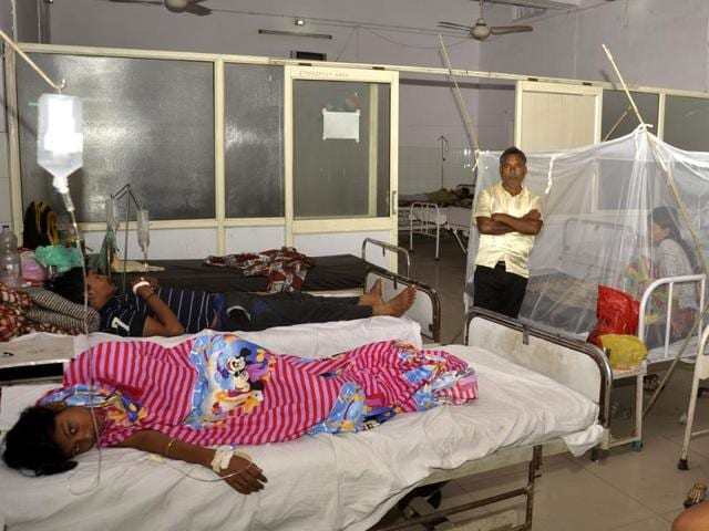 Dengue outbreak,Delhi,Fever clinics