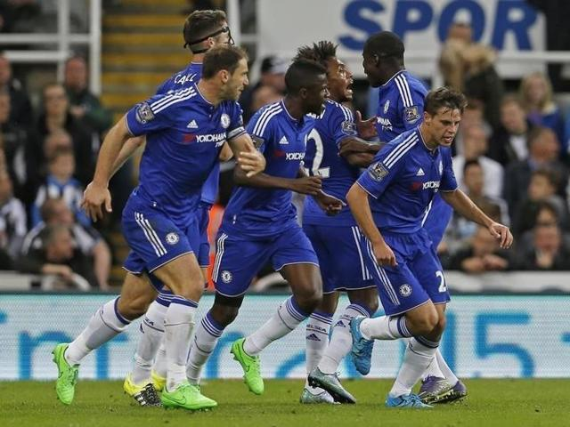 Chelsea's Willian celebrates after scoring a goal in the EPL match against Newcastle on September 26, 2015.