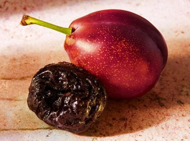 Both plums and prunes are considered anti-cancer foods thanks to their antioxidant properties.