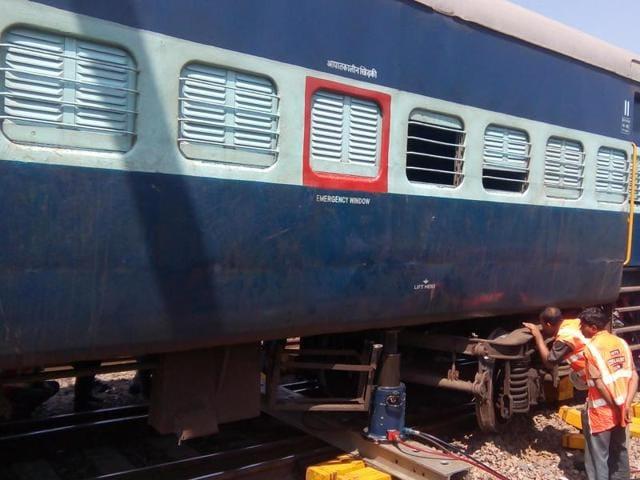 train derailment near Gwalior