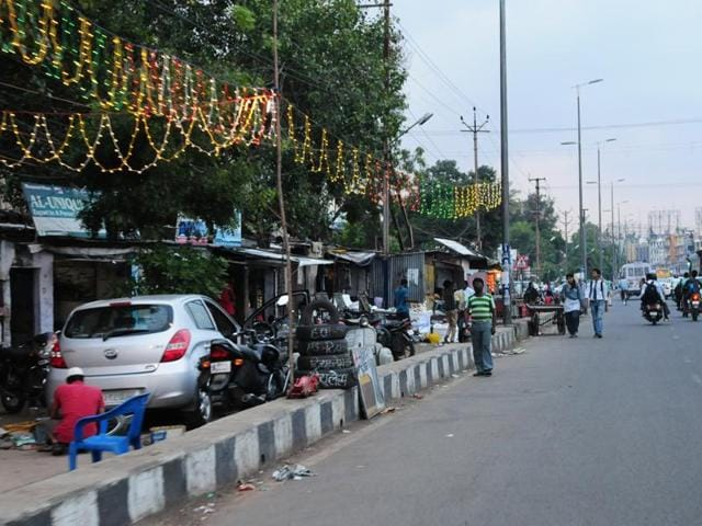 Cycle tracks along BRTS are blocked with encroachments in Bhopal.