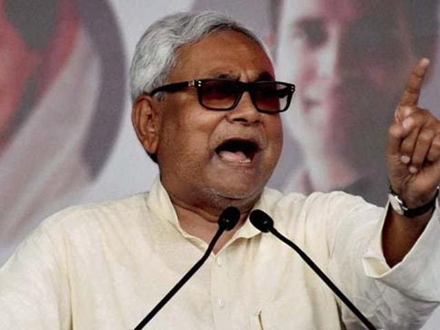 Bihar polls,Nitish Kumar,Slippers
