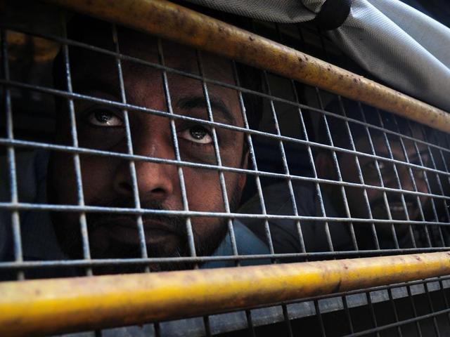 7/11 train blasts accused Kamal Asanri steps out of Aurthor Road Jail.