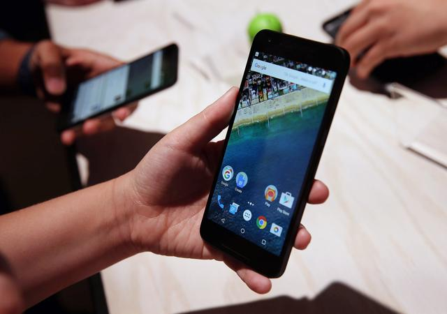 Mobile users in the Delhi NCR region will have an alternative option to Airtel if they want to use 4G services, after Vodafone announced its plans to start its high speed mobile services fromDecember.