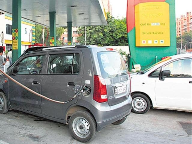 CNG prices,Delhi,CNG price cut