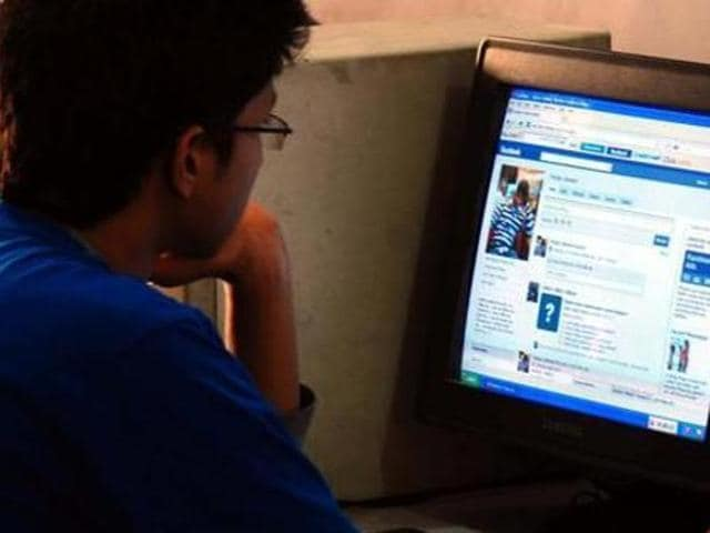 Cyber-criminal,Internet,Social media