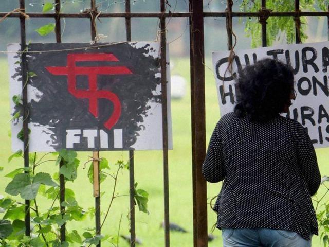 FTII crisis,FTII stalemate,Gajendra Chauhan