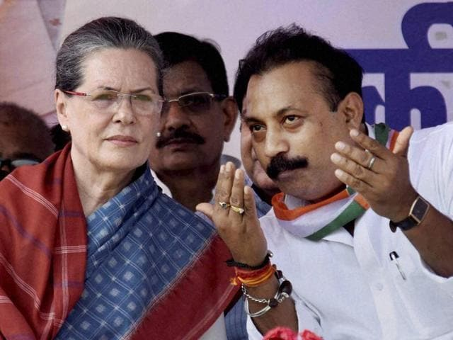 Congress president Sonia Gandhi with party's Bihar chief Ashok Chaudhary during an election rally in Kahalgaon.