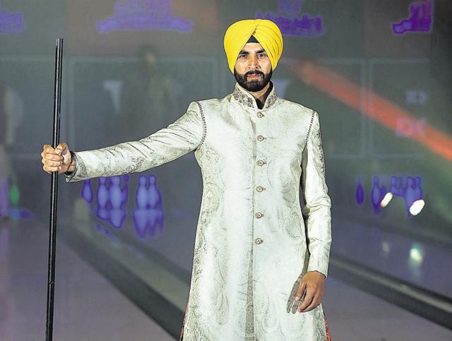 Sir Ben Kingsley,Akshay Kumar,Singh is Bling