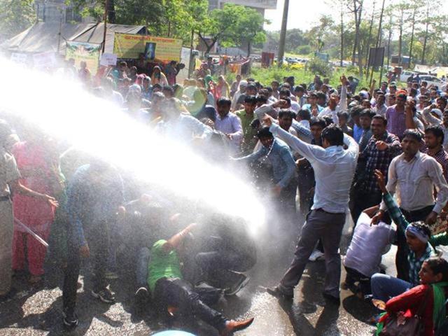 Water cannons,Congress,Tota Singh