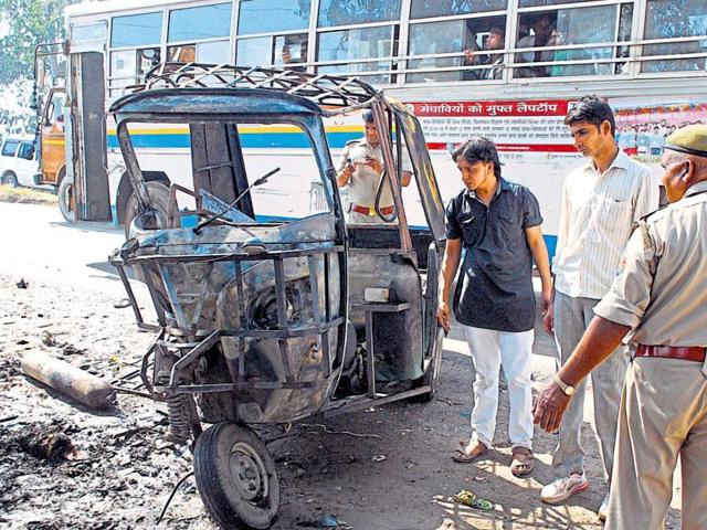 Road accident,Ghaziabad,Auto-rickshaw