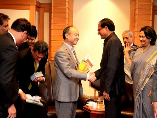 Chief minister Shivraj Singh Chouhan with Japanese industrialists during his visit to Japan.