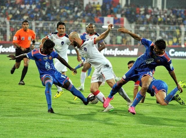 Players of FC Goa and Delhi Dynamos in action during the ISL match played at Nehru Stadium, Fatorda, Goa on Sunday.