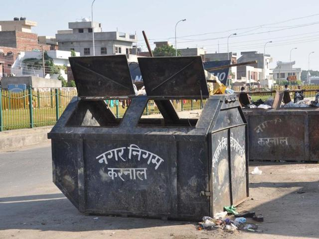 Barring a few spots in the Mughal Canal area, one can hardly come across waste on the roadside in Karnal.