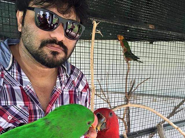 Singer and minister of state for Urban Development, Housing and Urban Poverty Alleviation, Babul Supriyo was the original voice behind hit song from the film R...Rajkumar, Gandi Baat.