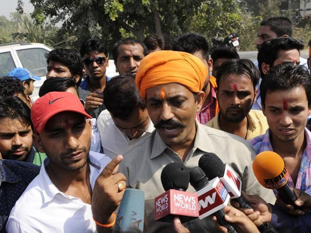 convenor of Hindu Raksha Dal Bhupinder Tomar visited Bisada village along with his cavalcade of cars, in Dadri Greater Noida.