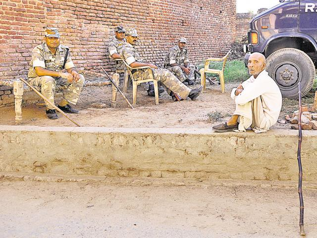 Forces and police have been deployed in the village to tacked any possible clashes after the killing of Mohammad Ikhlaq, in Greater Noida, India, on Thursday.(Burhaan Kinu/HT)