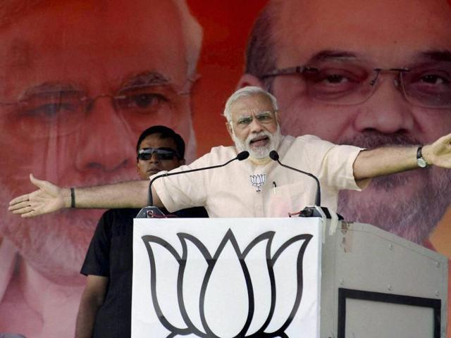 Prime Minister Narendra Modi addressing an election rally in Begusarai , Bihar, on Thursday.