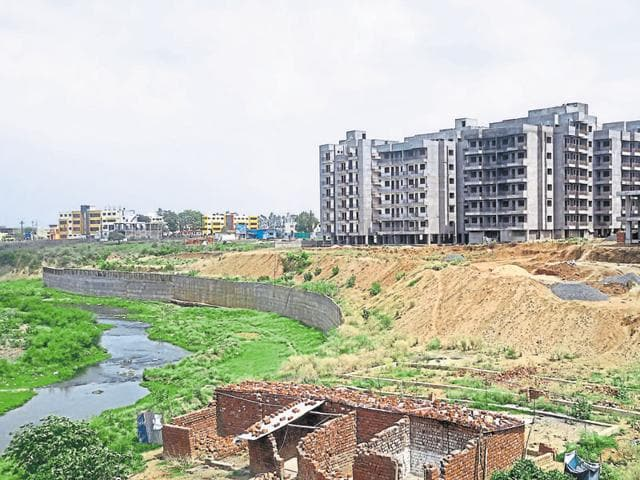 A view of constructions near Kaliasot river in Bhopal.