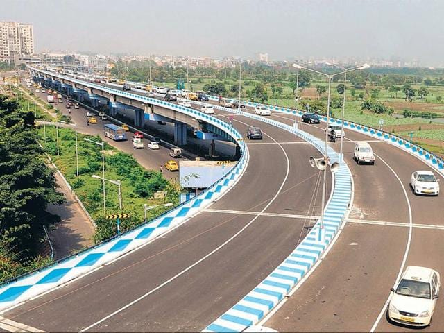 The Park Circus-Parama Island flyover, the longest in Bengal at 4.3 km, was inaugurated by chief minister Mamata Banerjee on Friday.