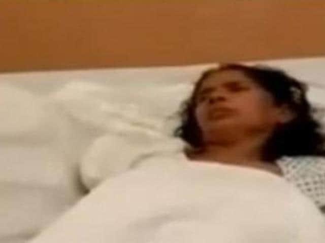 TVgrab of Kasturi Munirathinam, whose hand was allegedly chopped off by her Saudi employer.