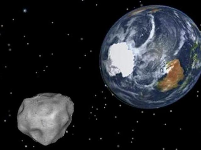 A graphic image of Asteroid 86666 approaching Earth.