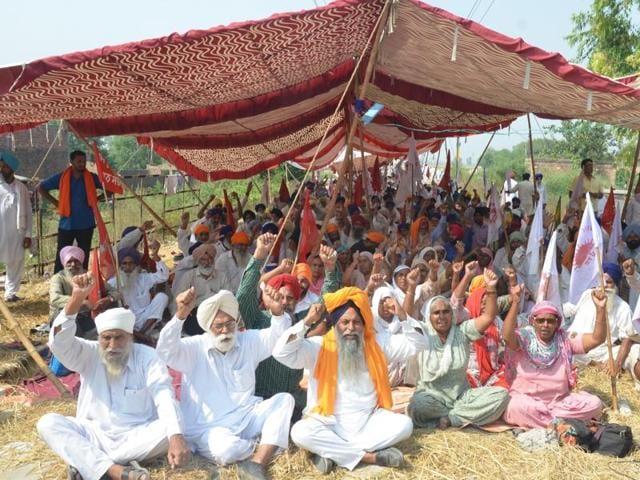Amritsar, India 10 October 2015: Farmers blocking railway tracks at  Muchhal village in Amritsar on Saturday .