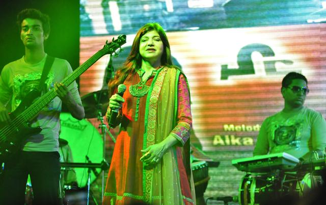 It was a captivating evening at Sutlej Club on Sunday as famous Bollywood singer Alka Yagnik performed live.